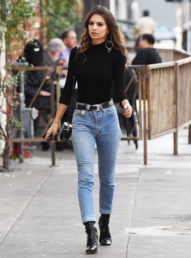 Emily Ratajkowski Mom Jeans