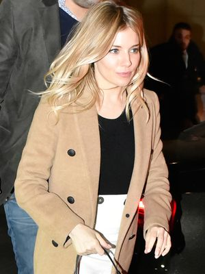 Sienna Miller's Unexpected Accessory Totally Makes This Look