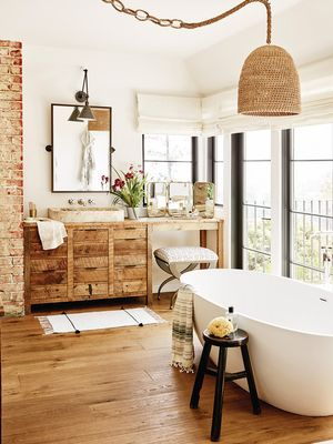 5 Bathroom Ideas to Steal From Hollywood's Coolest It Girls—and How to Shop Them