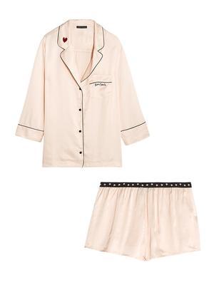 Must-Have: Satin Pajamas