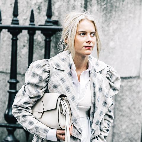 Minimalist fashion: ruffle and ruched shoulders