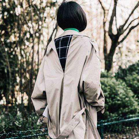 Minimalist fashion: trench coat is always a good idea