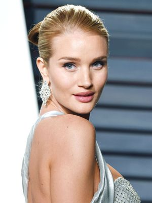Rosie Huntington-Whiteley's Baby Bump Made Its Red Carpet Debut