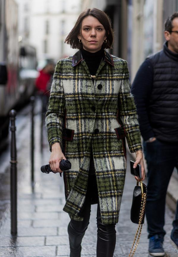 Paris Fashion Week Street Style Fall 2017