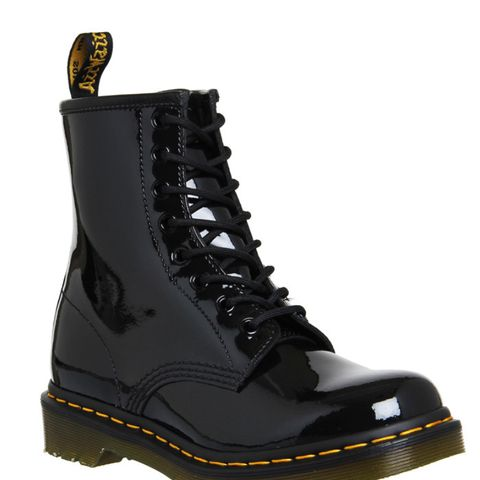 8 Eyelet Lace Up Boots Black Patent