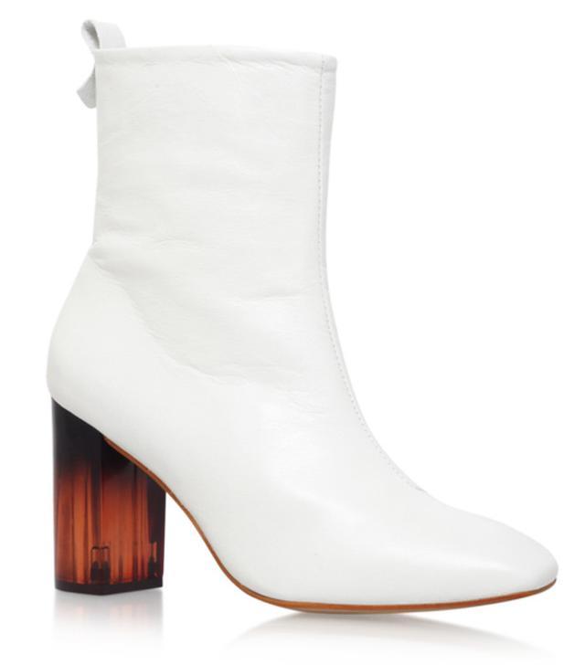 kendall-jenner-kurt-geiger-strut-boots