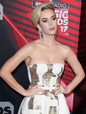 Girls Who Don't Wear Dresses Will Love Katy Perry's Red Carpet Look