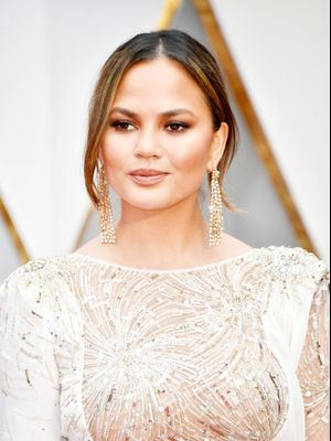 Chrissy Teigen Gets Candid About Her Struggle With Postpartum Depression