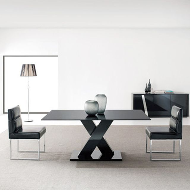 Bay Street Budapest Dining Table