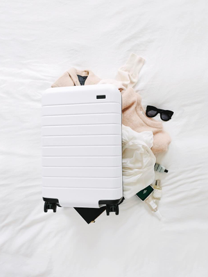 3 Things All Travel Insiders Do Before Booking Their Flights