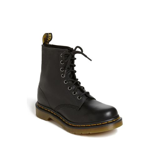 1460 W Boots