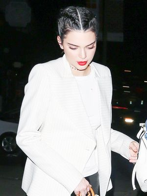 Kendall Jenner Wore the Louis Vuitton Bag We Haven't Seen in 15 Years