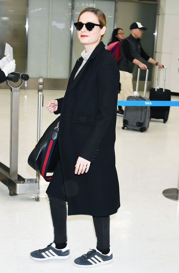Brie Larson airport outfit