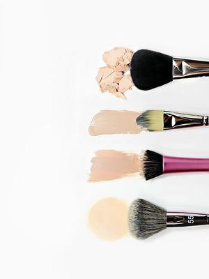 We Put 3 Popular DIY Makeup Brush Cleaners to the Test