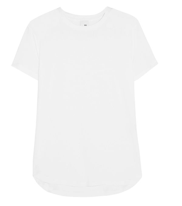 Spring weekend outfit ideas: white t shirt