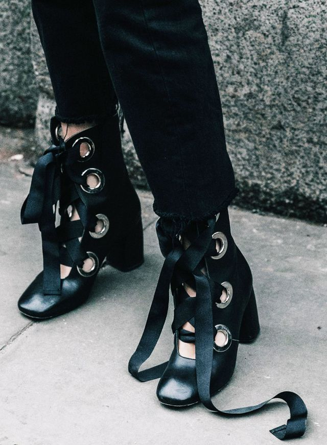 how to style ribbon shoes