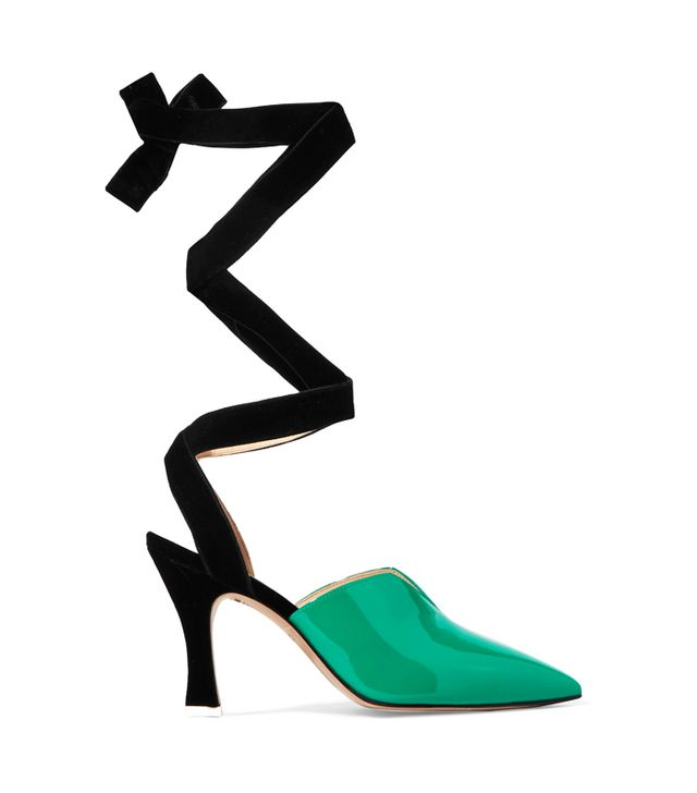 how to wear ribbon shoes
