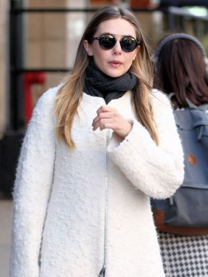 Elizabeth Olsen Knows Exactly How to Style This Major Bag Trend