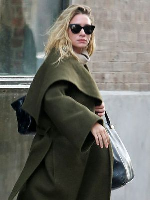 Ashley Olsen's Sneaker Styling Trick Is So Easy