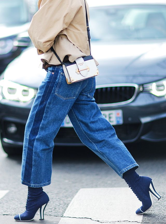 What to Wear In Spring: Smaller cross-body bags