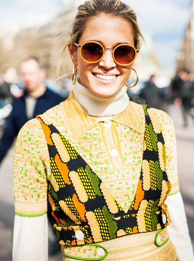 What to Wear in Spring: Bright sunglasses