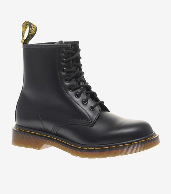 Gigi Hadid Style: Dr Martens Modern Classics Smooth 1460 8-Eye Boots