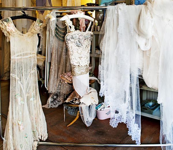 Vintage wedding dresses: Jane Bourvis