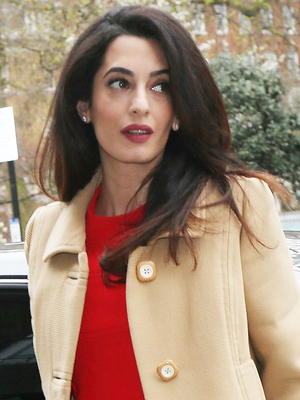 Amal Clooney Has a Super-Chic Formula for Pregnancy Dressing