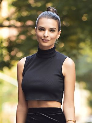This Is Exactly What Emily Ratajkowski Eats in a Typical Day