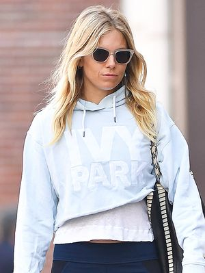 Reminder to Wear Sienna Miller's Cropped-Legging Outfit Soon