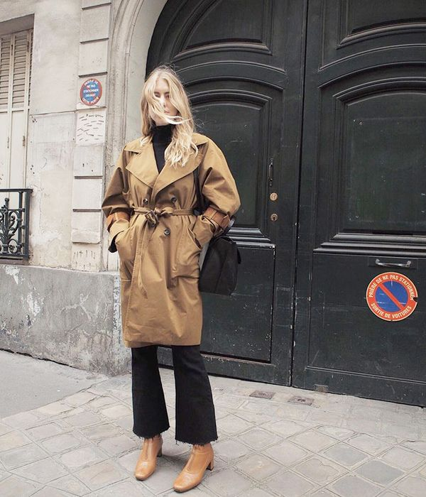 what to wear with brown boots - best trench coat