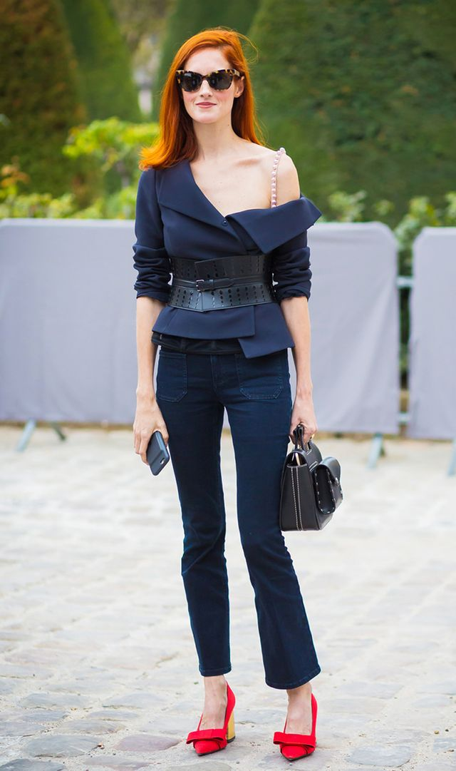 spring outfits - taylor tomasi hill wearing red shoes