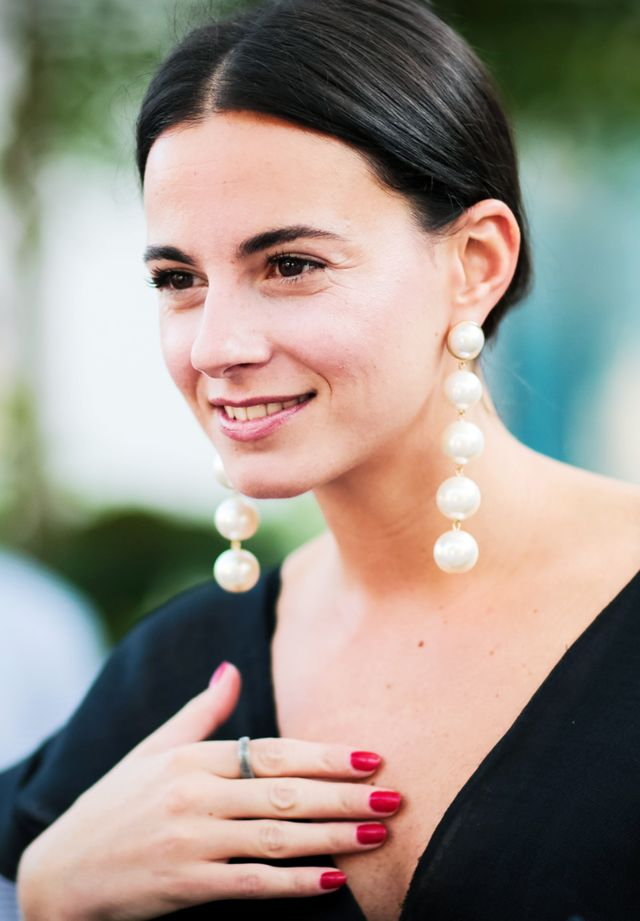 Pearl Jewellery Trend: Zina Charkoplia