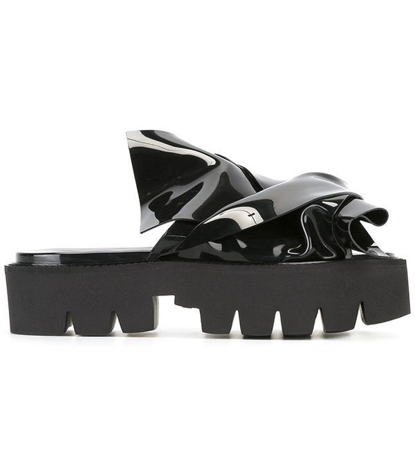 No. 21 Flat Bow Platform Sandals