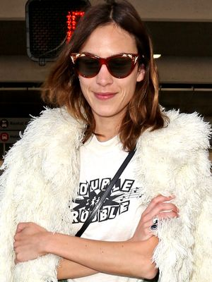 Alexa Chung Just Solved the Airport Style Dilemma We've All Experienced