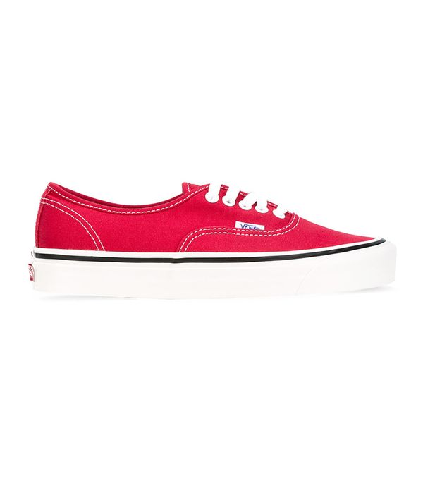 best classic sneakers- Vans era