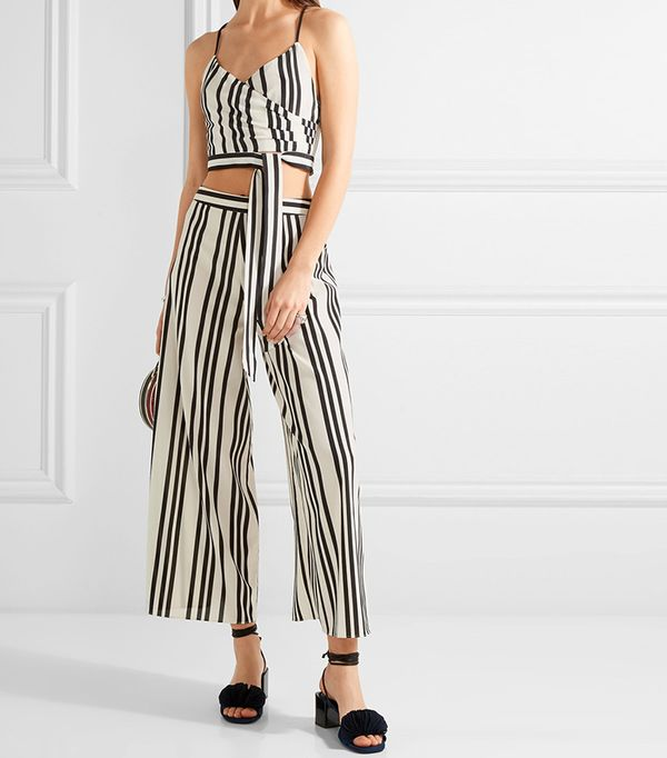 crop top outfit -  Alice + Olivia Rayna Top