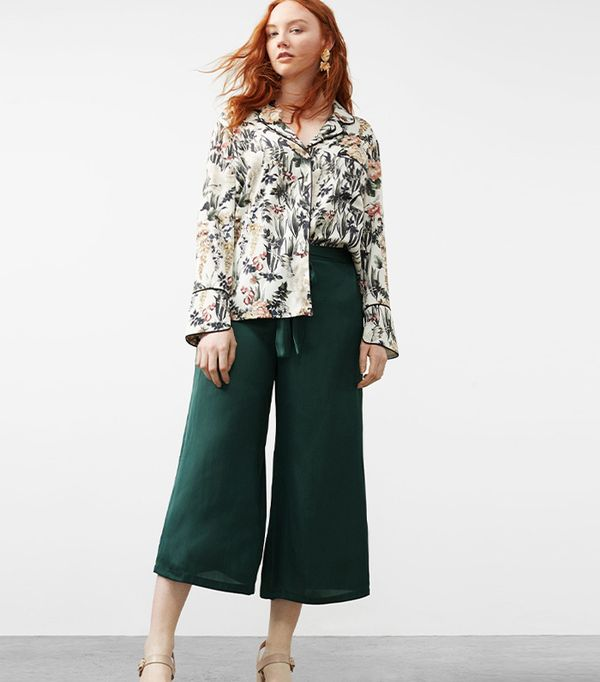 green pant outfits - Violeta Satin Crop Trousers