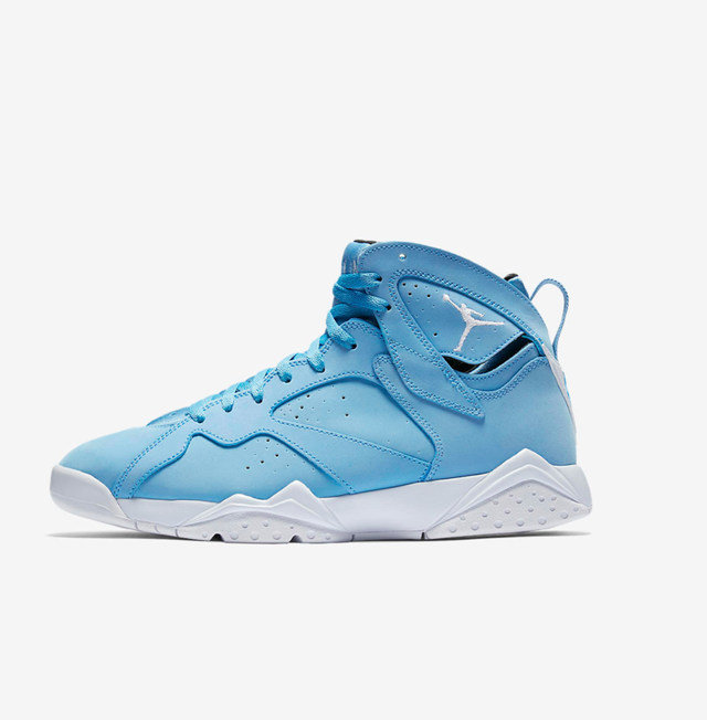 Nike Air Jordan VII University Blue Sneakers