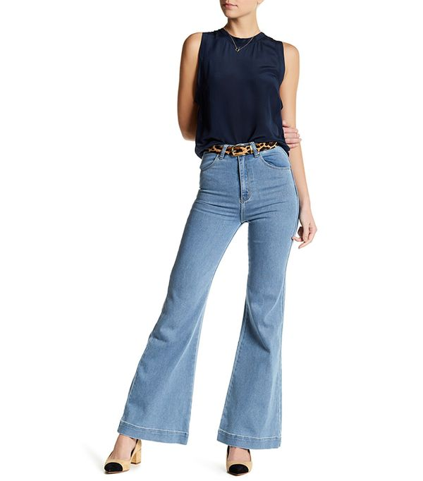 French girl style Rolla's Eastcoast Flare Jean