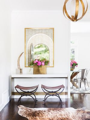 11 Entryway Decorating Ideas That Make a Stunning First Impression