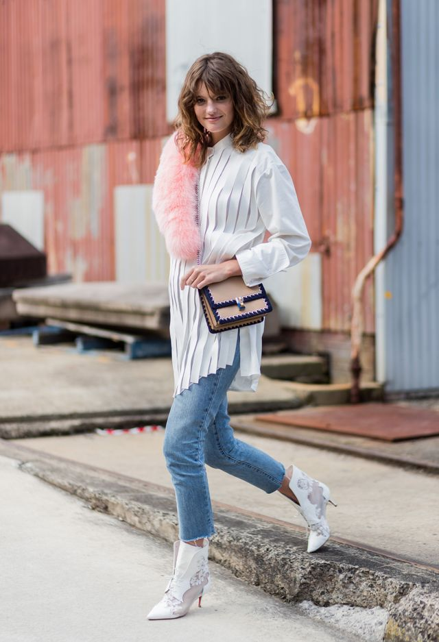 The moment we saw Montana Cox step out in white embroidered boots andpleated shirt, we knew there was a reason why she was appointed as the official face of Fashion Week Australia.