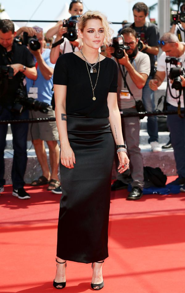 Kristen Stewart style: Black T Shirt and Chanel slip on red carpet