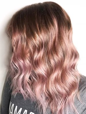 """""""Color Melting"""" Is a Temporary Way for Commitment-Phobesto Try Pastel Hair"""