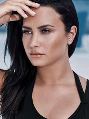 Thanks for Solving This Major Legging Pet Peeve, Demi Lovato