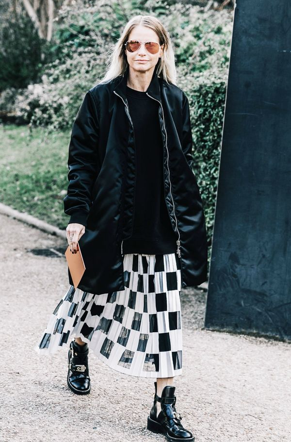 What to wear with a pleated skirt: Black and white skirt