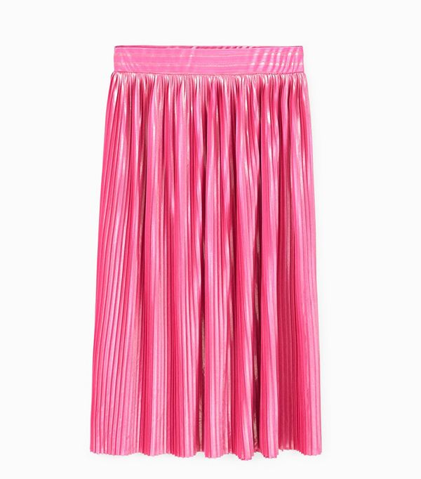 What to wear with a pleated skirt: Pink skirt