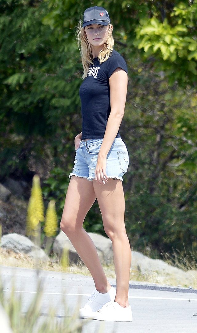 Best shoes to wear with shorts: Karlie Kloss