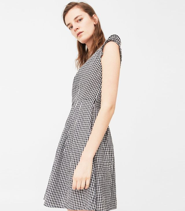 How to Take Instagram Outfit Photo Tips: Mango Gingham Check Dress