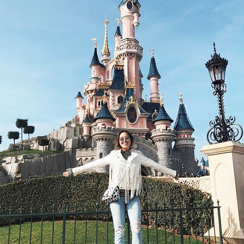 4 Stylish Outfits Fashion Girls Wear to Disneyland